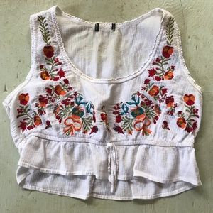 Vintage floral embroidered crop tank top